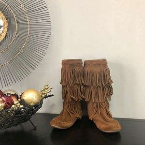 MINNETONKA Leather Brown 3-Layer Fringe Boots 8